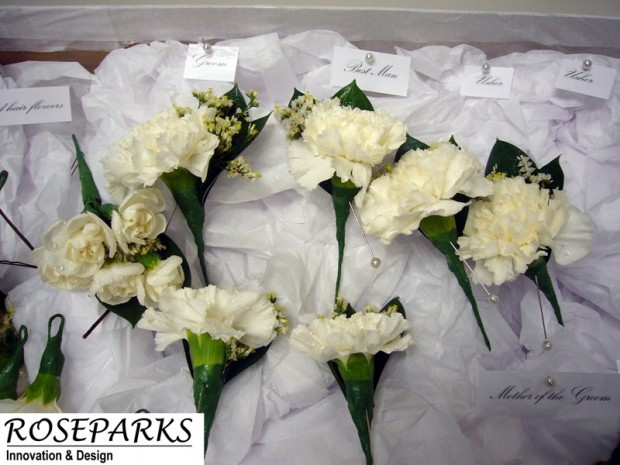 Bridal Party Buttonholes & Corsages